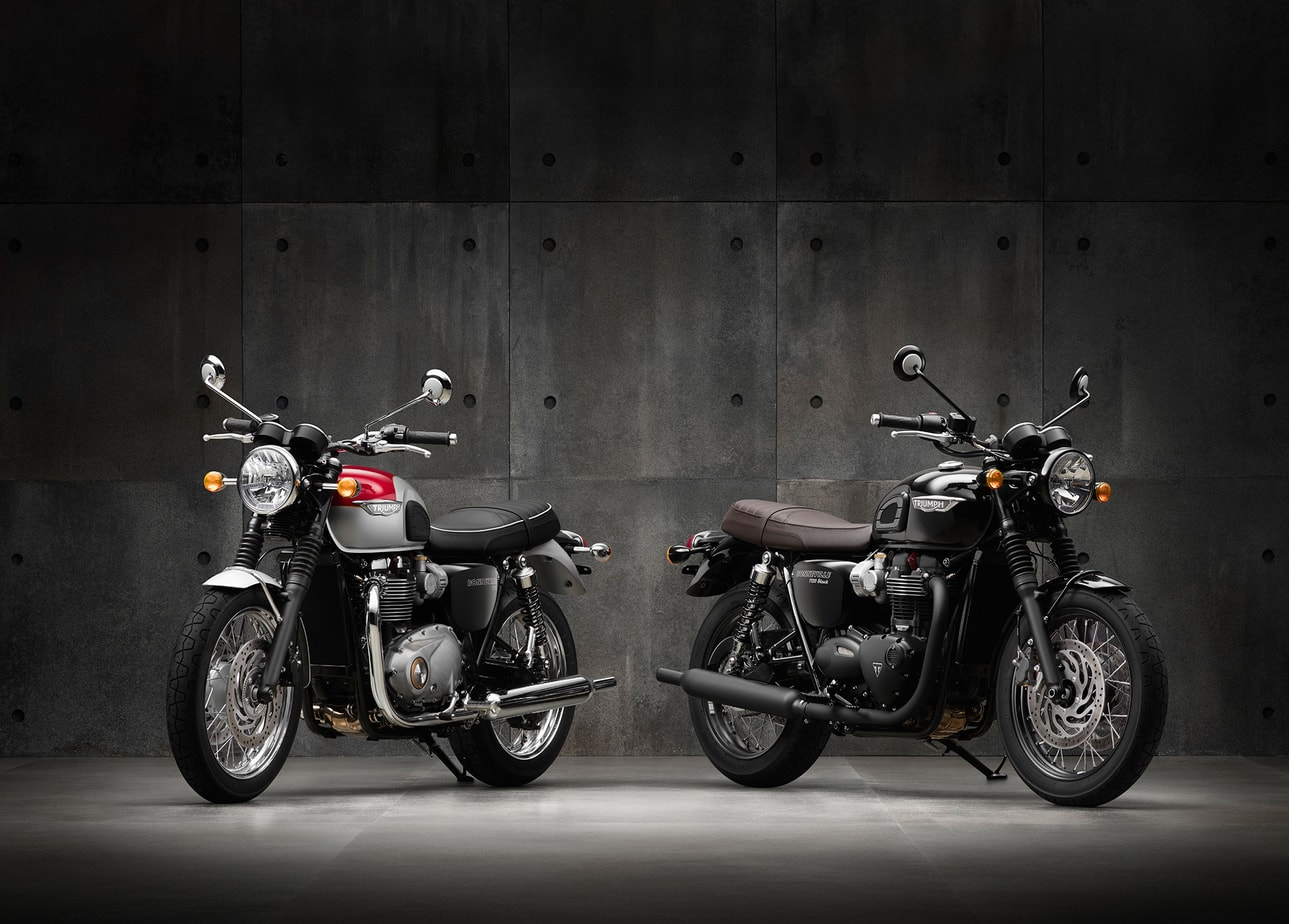 The Color Club - Triumph Two T120s frontal